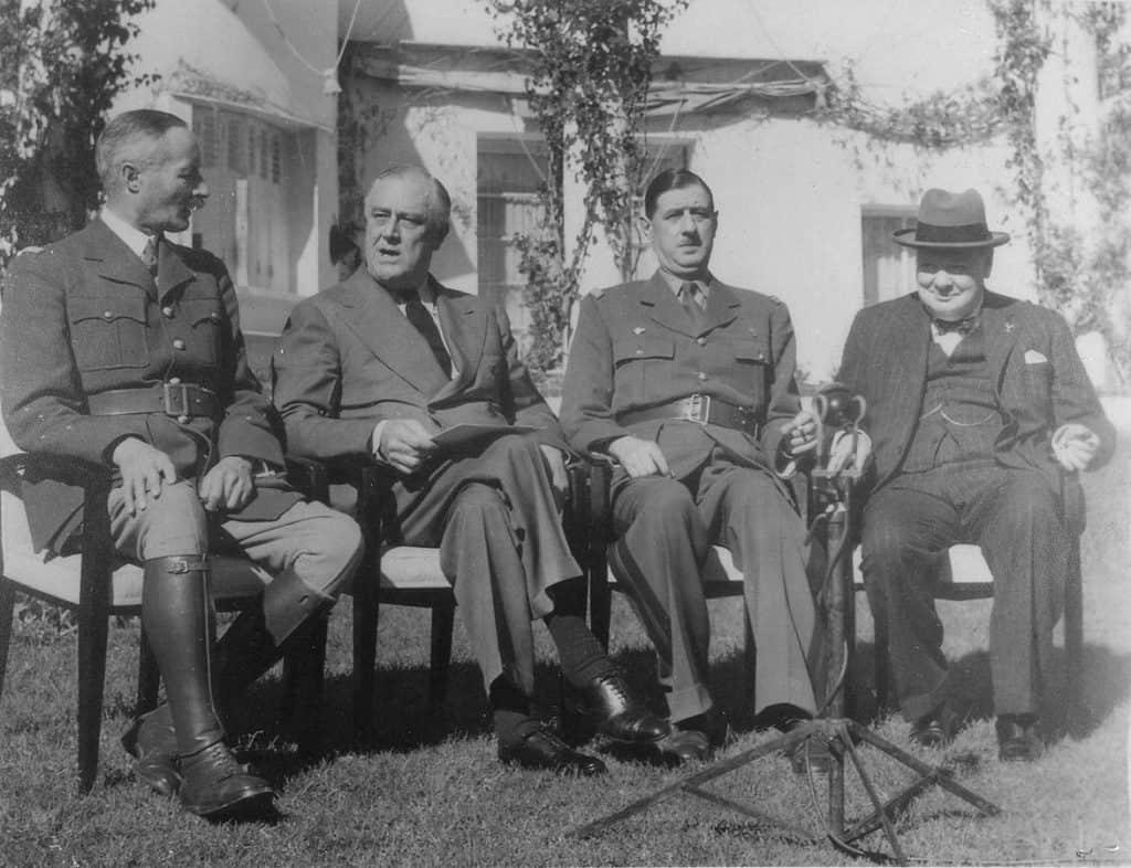 1173px-Franklin_D._Roosevelt,_Churchill,_Giraud,_and_DeGaulle_in_Casablanca_-_NARA_-_196990