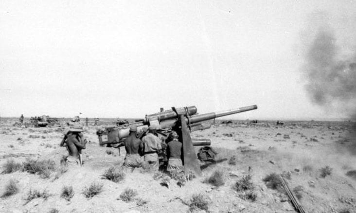 18.6.1942 Rommel gibt 8,8 cm Flak Befehl feindl. Panzersp‰hwagen, die das feindliche Artilleriefeuer leiten, zu bek‰mpfen