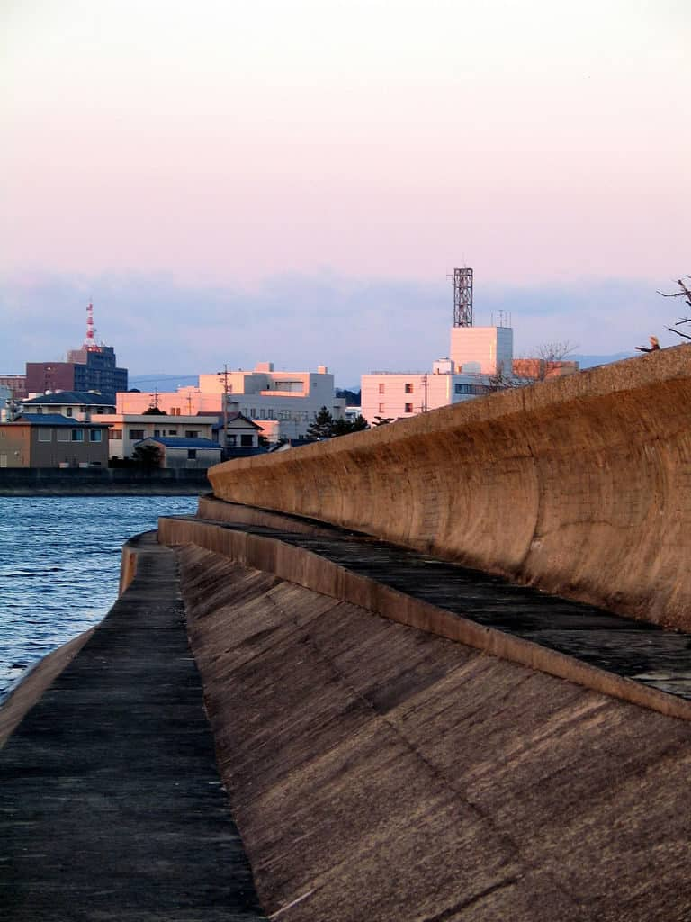 Tsunami_wall