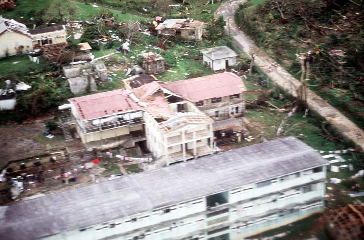 1200px-Hurricane_Gilbert_-_destroyed_buildings