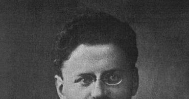 This Day In History: Stalin Orders Trotsky Into Internal Exile (1928)