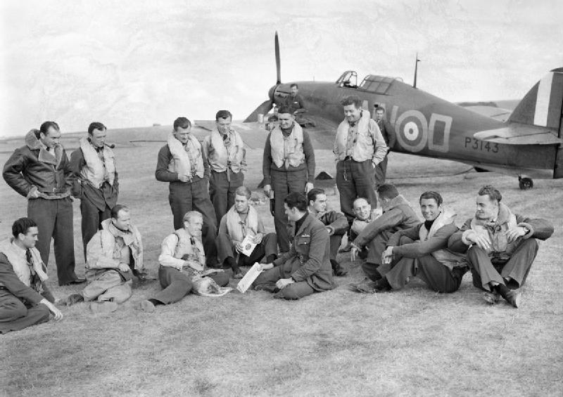 Pilots_of_No._310_(Czechoslovak)_Squadron_RAF_in_front_of_Hawker_Hurricane_Mk_I_at_Duxford,_Cambridgeshire,_7_September_1940._CH1299
