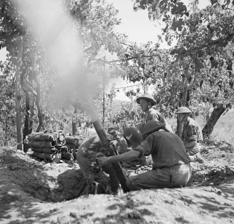 The_British_Army_in_Italy_1943_NA6813
