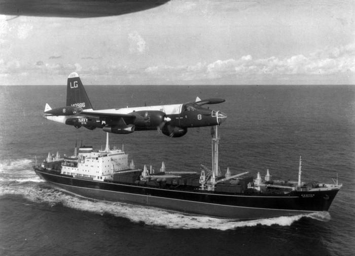 P-2H_Neptune_over_Soviet_ship_Oct_1962