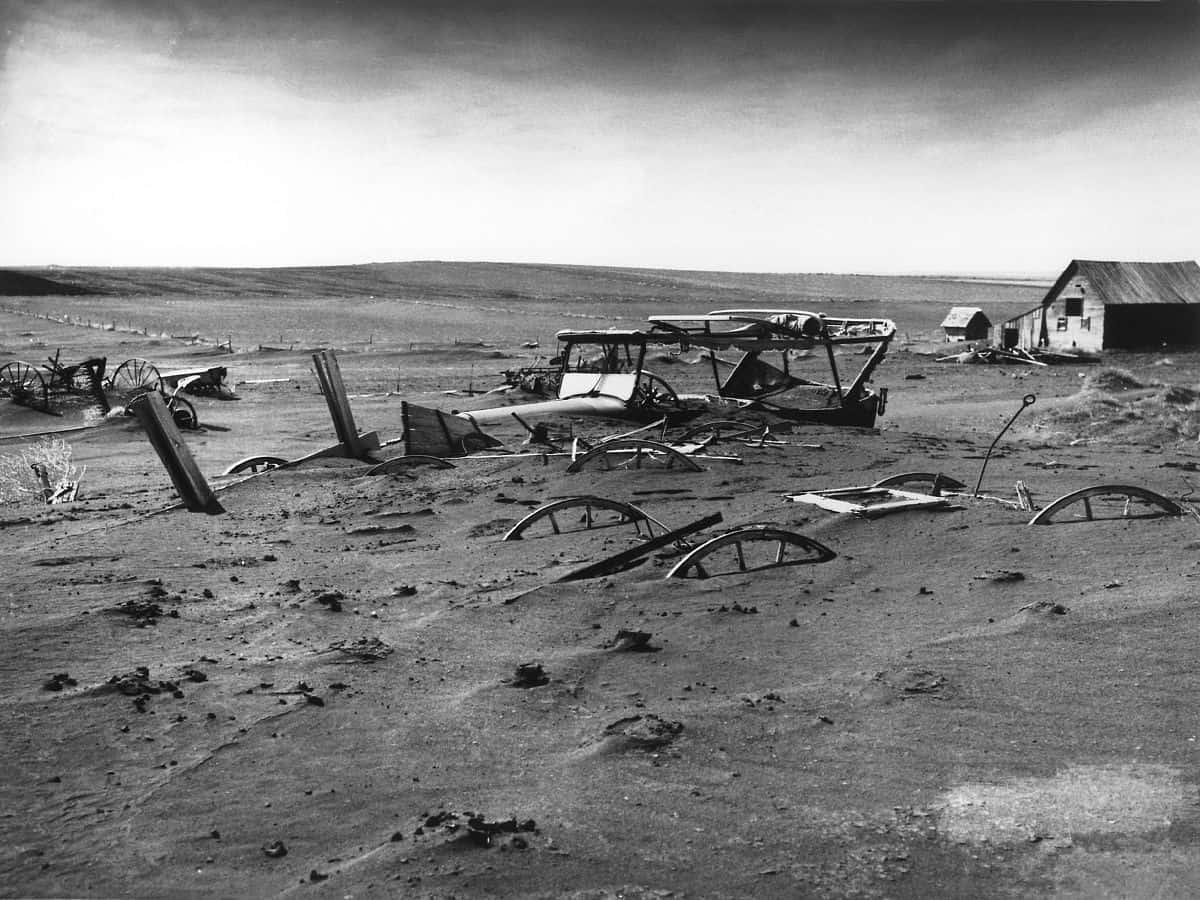 1200px-Dust_Bowl_-_Dallas,_South_Dakota_1936
