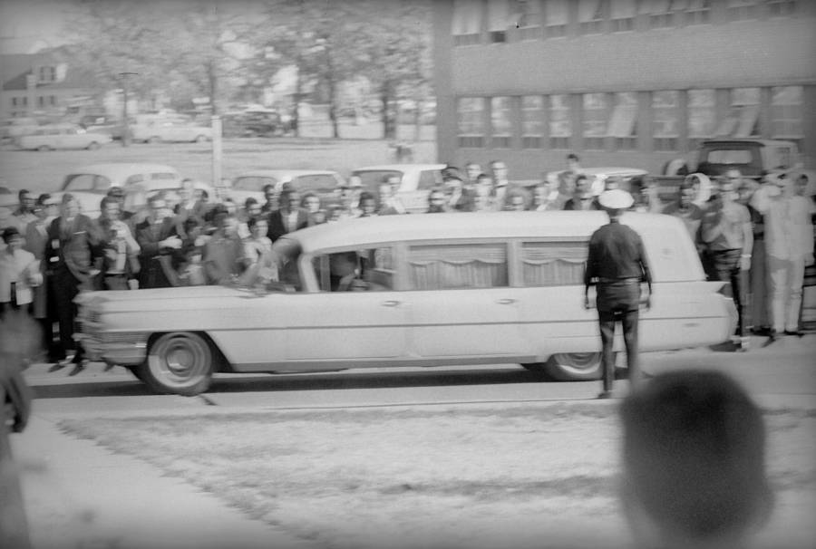 32 Photographs Of The Events Surrounding Jfk S Assassination