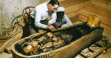 20 Color Photos of King Tut's 3,300-Year-Old Tomb