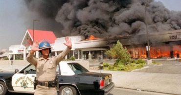27 Photos of the Horrific 1992 Los Angeles Riots