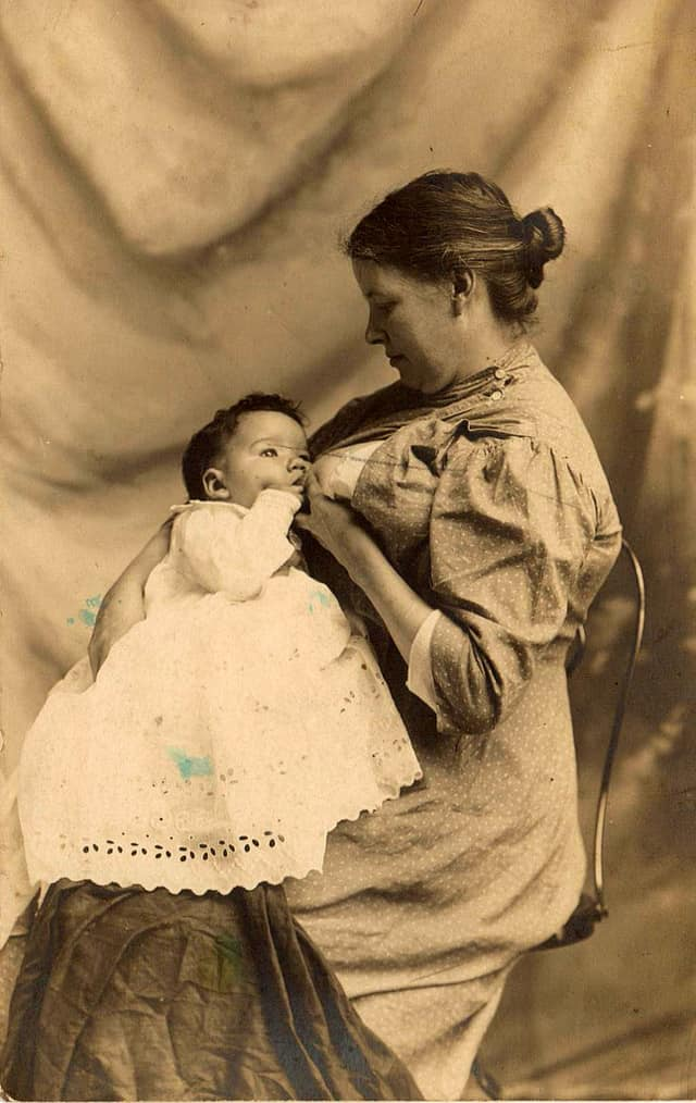Treasured To Taboo 30 Rare Glimpses Of Victorian Mothers Breastfeeding-5514