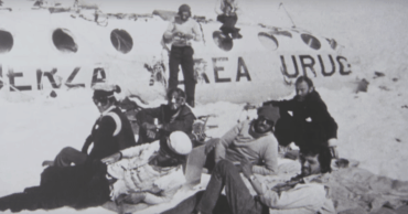 How the Uruguayan Air Force Flight 571 Crash Drove a Rugby Team to Cannibalism