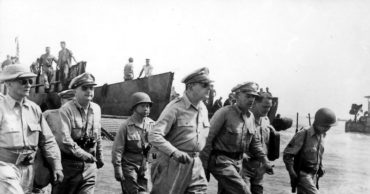 The Controversial Military Career of Douglas MacArthur